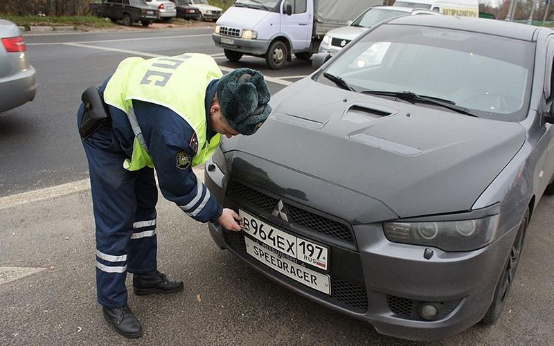 Сапреля начнут действовать новые правила для инспекторов ДПС