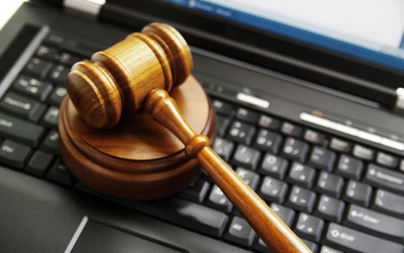 Путин подписал закон обограничении онлайн-трансляций судебных заседаний вСМИ