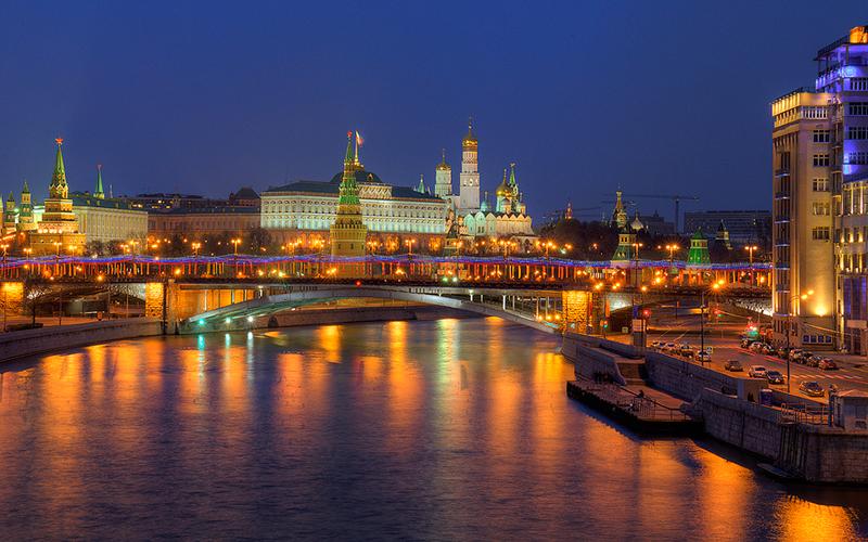 ФАС нашла сговор наторгах наподсветку зданий уКремля