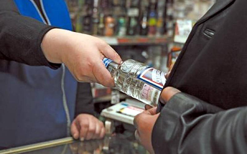 В Российской Федерации повысили штрафы за нелегальную реализацию алкоголя