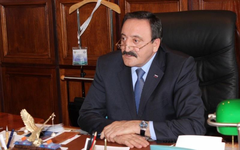 Следственный комитет: руководитель ФАС Дагестана брал взятки швейцарскими часами иохотничьими ружьями
