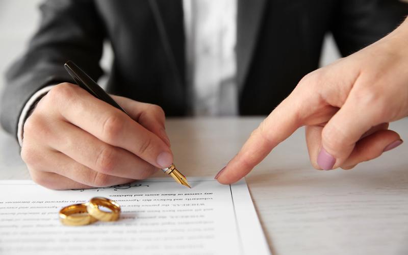 брачный договор и взыскание долгов