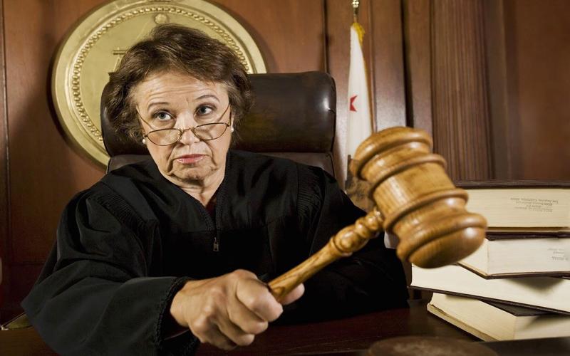 Судья лишилась мантии за 200 слов - legal.report